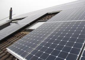 Ecco come puoi immagazzinare l'energia solare sul tuo tetto