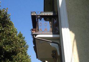 L'intonaco si stacca dal balcone: a chi spetta la riparazione?