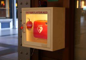 Defibrillatore in condominio: c'è la proposta di legge
