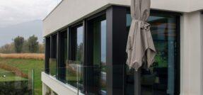 Massima trasparenza e protezione con i vetri stratificati Stratobel AGC Flat Glass
